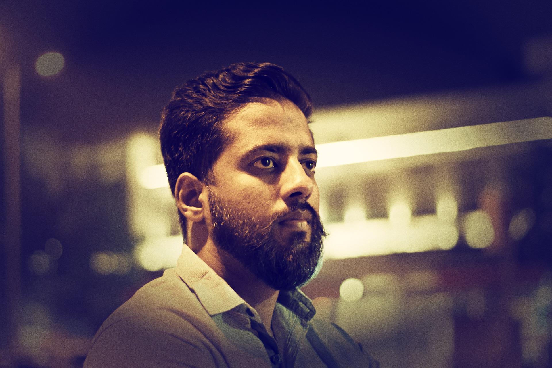 bearded-2670623_1920