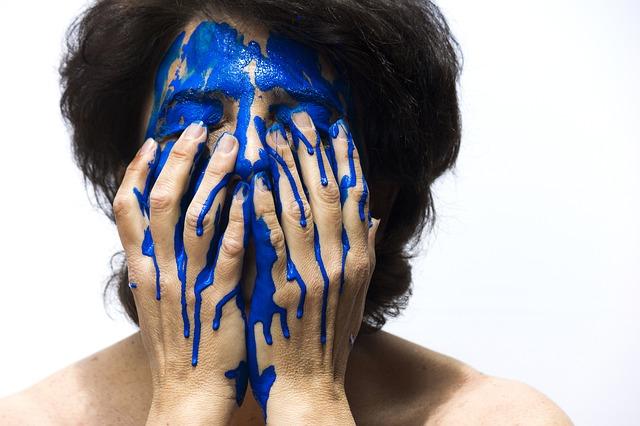 barva na obličeji