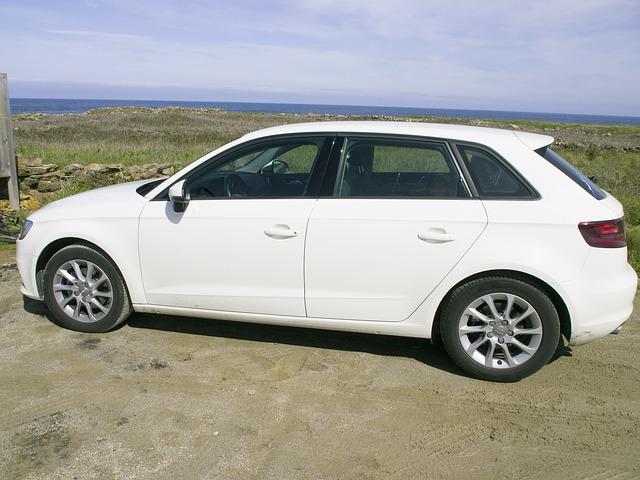 bílé Audi A3