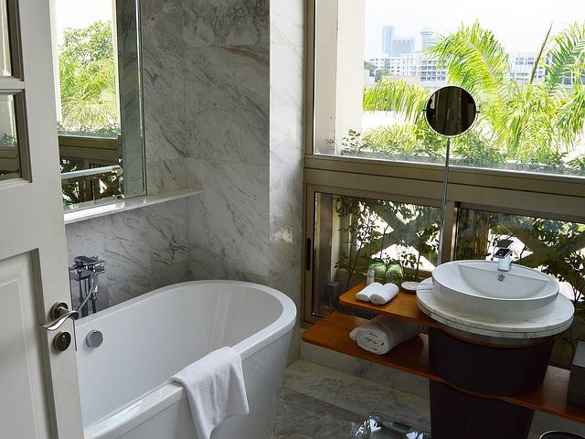 koupelna s okny