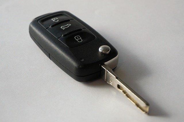 klíč k autu