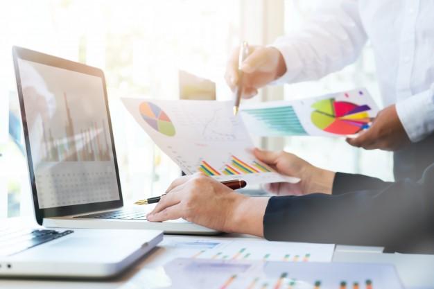 startup-business-teamwork-meeting-concept_1421-194